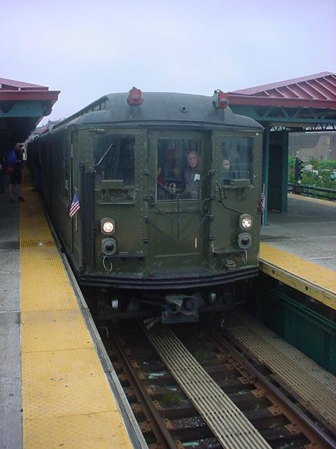 (143k, 480x640)<br><b>Country:</b> United States<br><b>City:</b> New York<br><b>System:</b> New York City Transit<br><b>Route:</b> Transit Museum Nostalgia Train<br><b>Car:</b> Low-V (Museum Train) 5292 <br><b>Photo by:</b> Chris Crayon<br><b>Date:</b> 5/22/2011<br><b>Viewed (this week/total):</b> 0 / 677