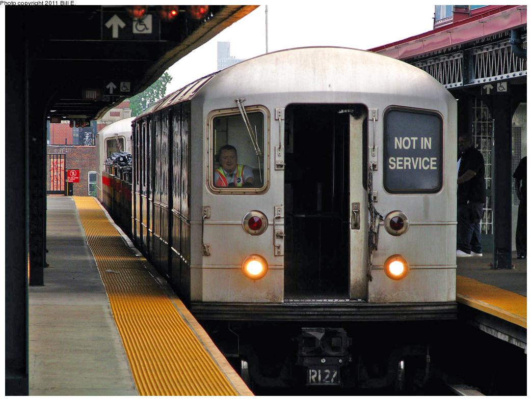 (384k, 1044x788)<br><b>Country:</b> United States<br><b>City:</b> New York<br><b>System:</b> New York City Transit<br><b>Line:</b> IRT White Plains Road Line<br><b>Location:</b> Gun Hill Road <br><b>Route:</b> Work Service<br><b>Car:</b> R-127/R-134 (Kawasaki, 1991-1996)  <br><b>Photo by:</b> Bill E.<br><b>Date:</b> 7/23/2010<br><b>Viewed (this week/total):</b> 4 / 1255
