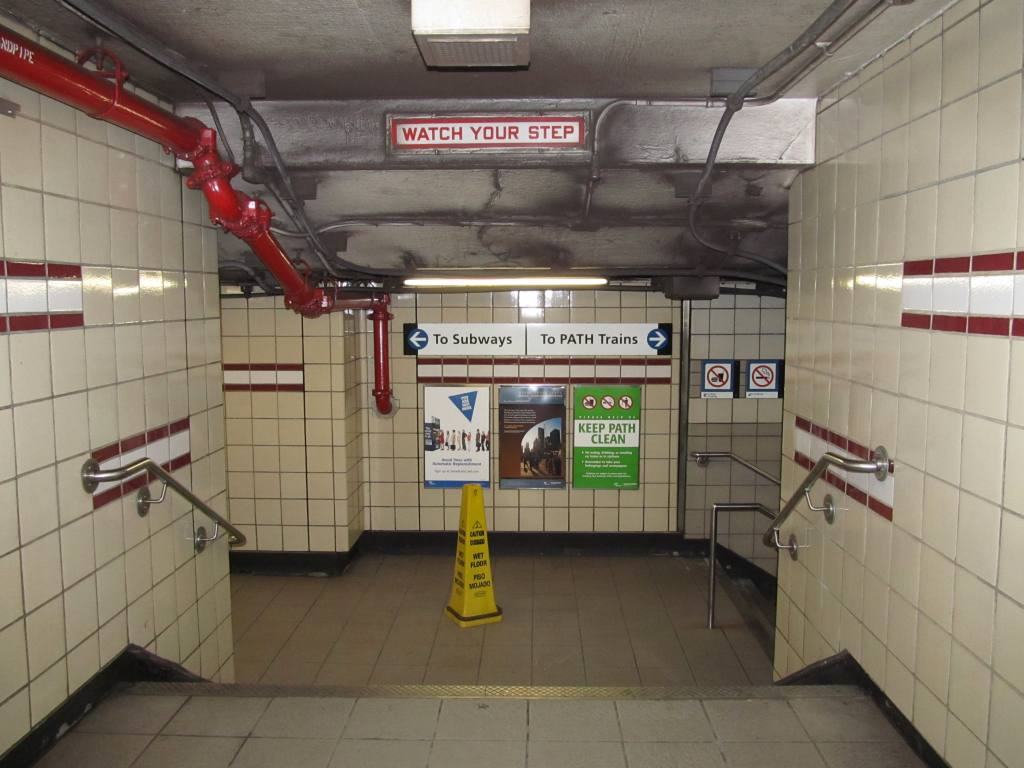 (99k, 1024x768)<br><b>Country:</b> United States<br><b>City:</b> New York<br><b>System:</b> PATH<br><b>Location:</b> 14th Street <br><b>Photo by:</b> Robbie Rosenfeld<br><b>Date:</b> 5/16/2011<br><b>Notes:</b> Downtown entrance to station.<br><b>Viewed (this week/total):</b> 0 / 926