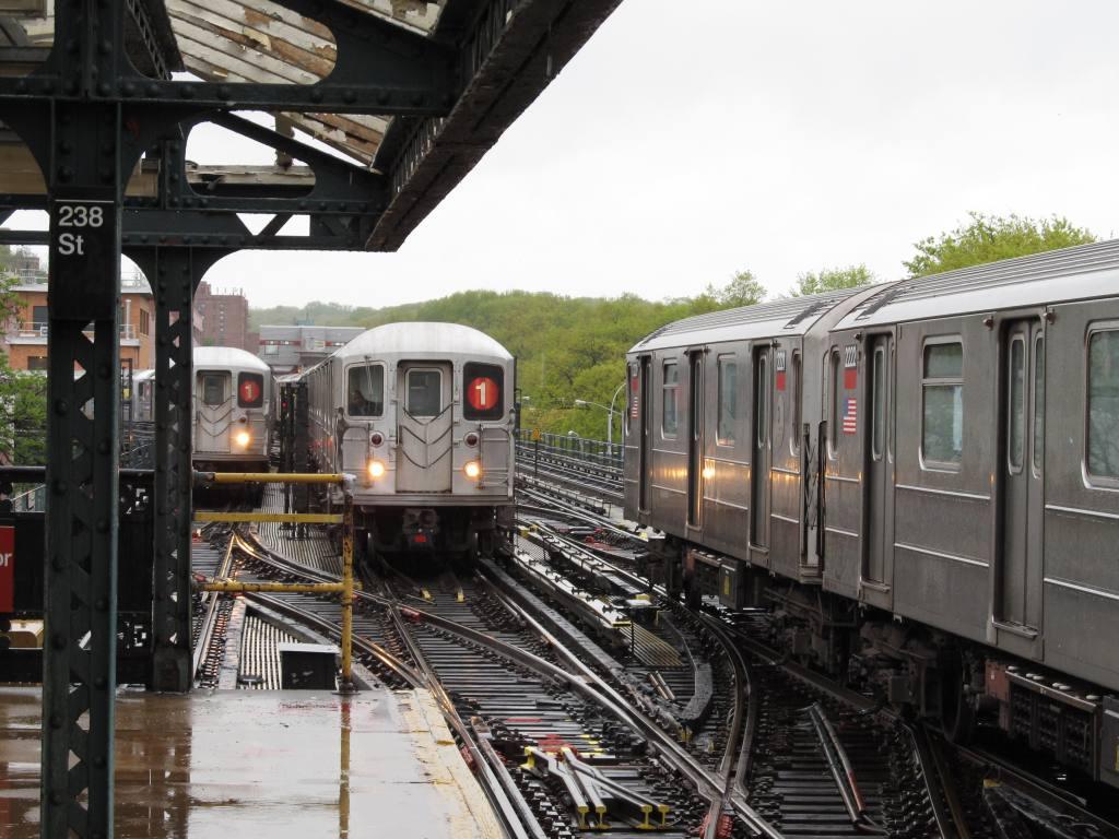 (132k, 1024x768)<br><b>Country:</b> United States<br><b>City:</b> New York<br><b>System:</b> New York City Transit<br><b>Line:</b> IRT West Side Line<br><b>Location:</b> 238th Street <br><b>Route:</b> 1<br><b>Car:</b> R-62A (Bombardier, 1984-1987)  2222 <br><b>Photo by:</b> Robbie Rosenfeld<br><b>Date:</b> 5/4/2011<br><b>Viewed (this week/total):</b> 2 / 1487