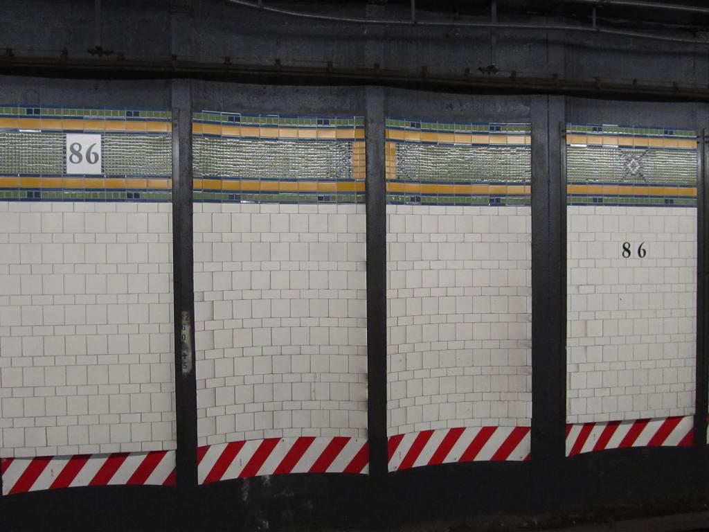 (98k, 1024x768)<br><b>Country:</b> United States<br><b>City:</b> New York<br><b>System:</b> New York City Transit<br><b>Line:</b> BMT 4th Avenue<br><b>Location:</b> 86th Street <br><b>Photo by:</b> Robbie Rosenfeld<br><b>Date:</b> 6/12/2011<br><b>Notes:</b> New tile.<br><b>Viewed (this week/total):</b> 2 / 1519