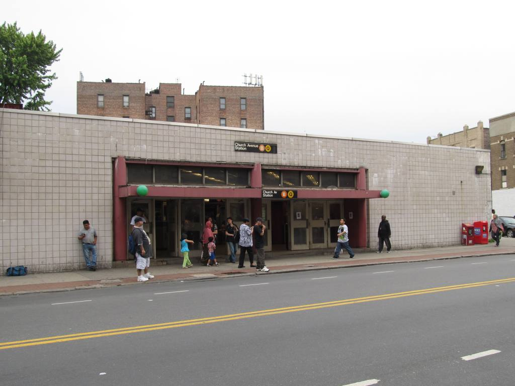 (86k, 1024x768)<br><b>Country:</b> United States<br><b>City:</b> New York<br><b>System:</b> New York City Transit<br><b>Line:</b> BMT Brighton Line<br><b>Location:</b> Church Avenue <br><b>Photo by:</b> Robbie Rosenfeld<br><b>Date:</b> 6/12/2011<br><b>Notes:</b> Station entrance.<br><b>Viewed (this week/total):</b> 1 / 1889