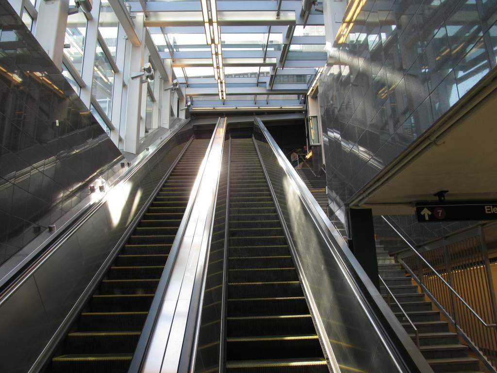 (124k, 1024x768)<br><b>Country:</b> United States<br><b>City:</b> New York<br><b>System:</b> New York City Transit<br><b>Line:</b> IRT Flushing Line<br><b>Location:</b> Court House Square/45th Road <br><b>Photo by:</b> Robbie Rosenfeld<br><b>Date:</b> 6/6/2011<br><b>Notes:</b> New transfer.<br><b>Viewed (this week/total):</b> 9 / 1091