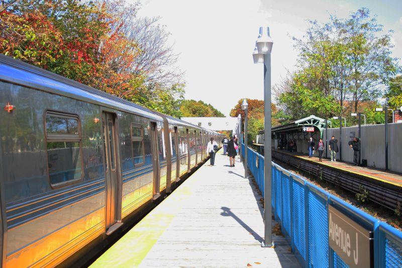 (123k, 800x533)<br><b>Country:</b> United States<br><b>City:</b> New York<br><b>System:</b> New York City Transit<br><b>Line:</b> BMT Brighton Line<br><b>Location:</b> Avenue J <br><b>Route:</b> Q<br><b>Car:</b> R-68 (Westinghouse-Amrail, 1986-1988)  2826 <br><b>Photo by:</b> Neil Feldman<br><b>Date:</b> 10/30/2009<br><b>Viewed (this week/total):</b> 1 / 847