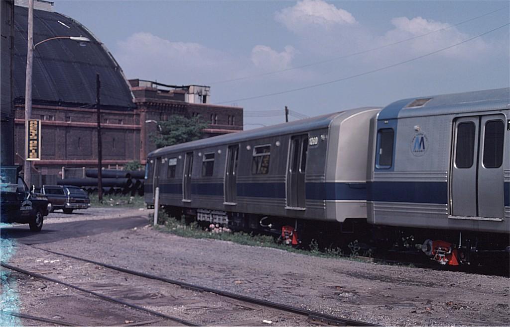 (159k, 1024x658)<br><b>Country:</b> United States<br><b>City:</b> New York<br><b>System:</b> New York City Transit<br><b>Location:</b> 1st Ave/50th St<br><b>Car:</b> R-46 (Pullman-Standard, 1974-75) 1260 <br><b>Photo by:</b> Ed McKernan<br><b>Collection of:</b> Joe Testagrose<br><b>Date:</b> 6/27/1977<br><b>Viewed (this week/total):</b> 1 / 635