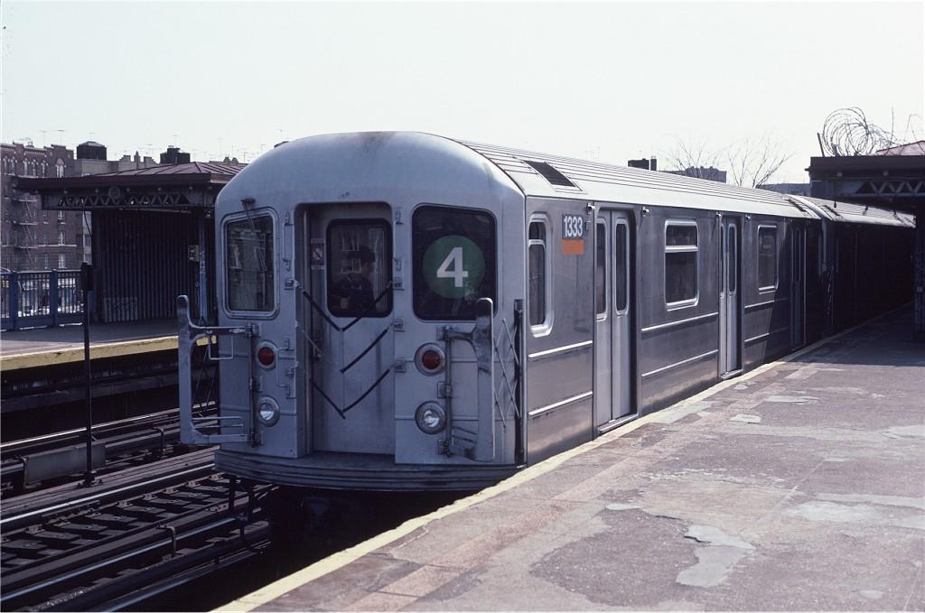 (163k, 1024x679)<br><b>Country:</b> United States<br><b>City:</b> New York<br><b>System:</b> New York City Transit<br><b>Line:</b> IRT Woodlawn Line<br><b>Location:</b> Bedford Park Boulevard <br><b>Route:</b> 4<br><b>Car:</b> R-62 (Kawasaki, 1983-1985)  1333 <br><b>Photo by:</b> Eric Oszustowicz<br><b>Collection of:</b> Joe Testagrose<br><b>Date:</b> 4/13/1985<br><b>Viewed (this week/total):</b> 0 / 1968