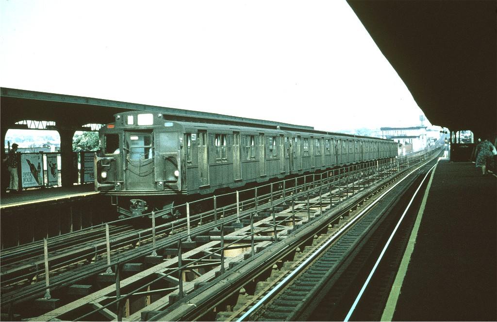 (201k, 1024x663)<br><b>Country:</b> United States<br><b>City:</b> New York<br><b>System:</b> New York City Transit<br><b>Line:</b> BMT Myrtle Avenue Line<br><b>Location:</b> Central Avenue <br><b>Route:</b> M<br><b>Car:</b> R-7 (Pullman, 1937)  1537 <br><b>Collection of:</b> Joe Testagrose<br><b>Date:</b> 8/1968<br><b>Viewed (this week/total):</b> 0 / 1015