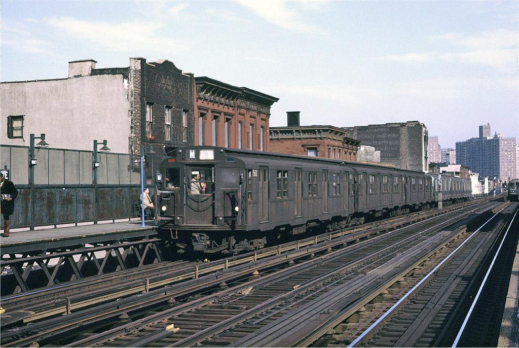 (292k, 1024x686)<br><b>Country:</b> United States<br><b>City:</b> New York<br><b>System:</b> New York City Transit<br><b>Line:</b> BMT Nassau Street/Jamaica Line<br><b>Location:</b> Marcy Avenue <br><b>Route:</b> M<br><b>Car:</b> R-7A (Pullman, 1938)  1560 <br><b>Photo by:</b> Joe Testagrose<br><b>Date:</b> 4/9/1971<br><b>Viewed (this week/total):</b> 0 / 913