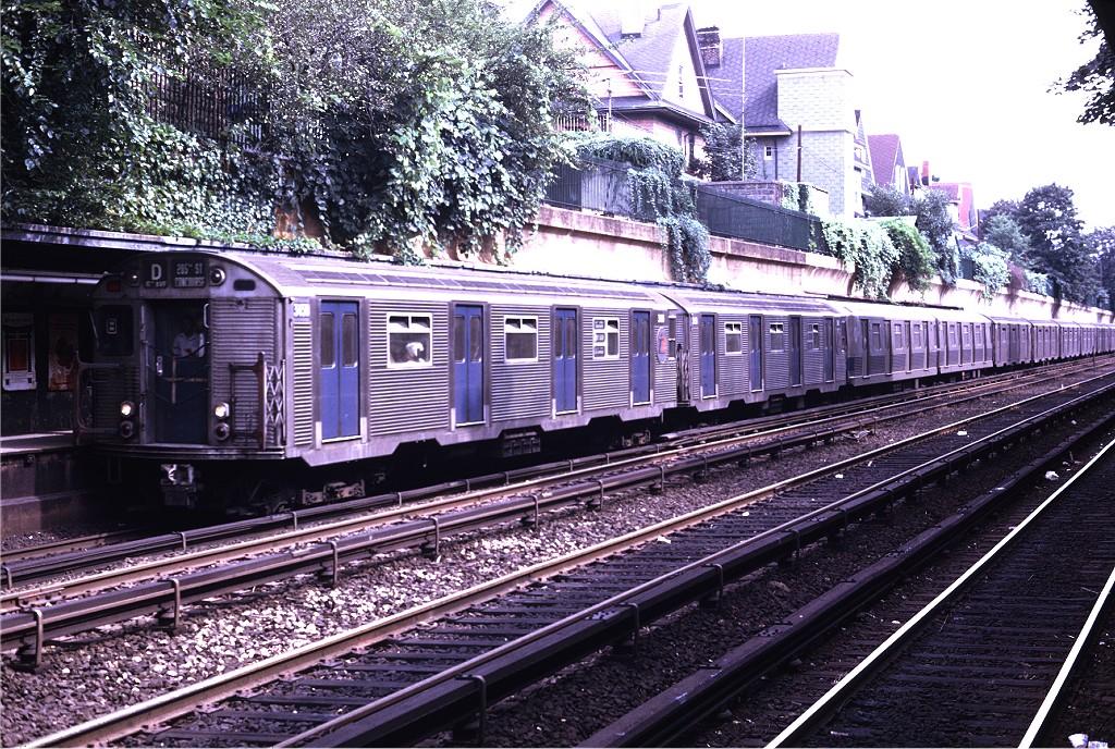 (323k, 1024x688)<br><b>Country:</b> United States<br><b>City:</b> New York<br><b>System:</b> New York City Transit<br><b>Line:</b> BMT Brighton Line<br><b>Location:</b> Beverley Road <br><b>Route:</b> D<br><b>Car:</b> R-32 (Budd, 1964)  3450 <br><b>Collection of:</b> Joe Testagrose<br><b>Date:</b> 8/9/1969<br><b>Viewed (this week/total):</b> 1 / 1292