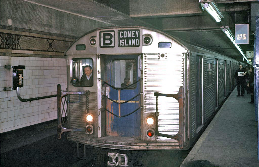 (208k, 1024x662)<br><b>Country:</b> United States<br><b>City:</b> New York<br><b>System:</b> New York City Transit<br><b>Location:</b> DeKalb Avenue<br><b>Route:</b> B<br><b>Car:</b> R-32 (Budd, 1964)  3920 <br><b>Photo by:</b> Steve Zabel<br><b>Collection of:</b> Joe Testagrose<br><b>Date:</b> 1/23/1971<br><b>Viewed (this week/total):</b> 2 / 1321