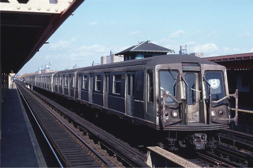 (175k, 1024x682)<br><b>Country:</b> United States<br><b>City:</b> New York<br><b>System:</b> New York City Transit<br><b>Line:</b> BMT West End Line<br><b>Location:</b> Bay 50th Street <br><b>Car:</b> R-40 (St. Louis, 1968)  4162 <br><b>Photo by:</b> Steve Zabel<br><b>Collection of:</b> Joe Testagrose<br><b>Date:</b> 11/6/1981<br><b>Viewed (this week/total):</b> 0 / 1269