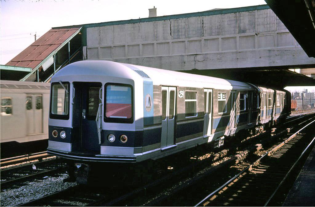 (207k, 1024x674)<br><b>Country:</b> United States<br><b>City:</b> New York<br><b>System:</b> New York City Transit<br><b>Line:</b> BMT Sea Beach Line<br><b>Location:</b> 8th Avenue <br><b>Car:</b> R-40M (St. Louis, 1969)  4259 <br><b>Photo by:</b> Doug Grotjahn<br><b>Collection of:</b> Joe Testagrose<br><b>Date:</b> 1/28/1969<br><b>Viewed (this week/total):</b> 2 / 1663