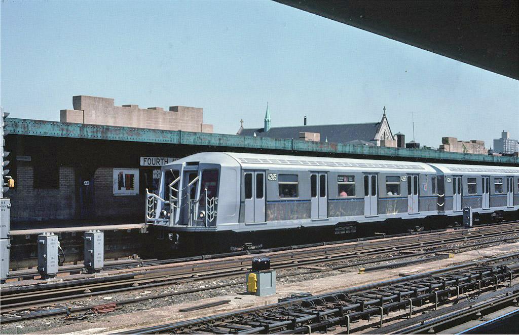 (231k, 1024x660)<br><b>Country:</b> United States<br><b>City:</b> New York<br><b>System:</b> New York City Transit<br><b>Line:</b> IND Crosstown Line<br><b>Location:</b> 4th Avenue <br><b>Route:</b> F<br><b>Car:</b> R-40 (St. Louis, 1968)  4265 <br><b>Photo by:</b> Ed McKernan<br><b>Collection of:</b> Joe Testagrose<br><b>Date:</b> 5/1/1977<br><b>Viewed (this week/total):</b> 1 / 1327