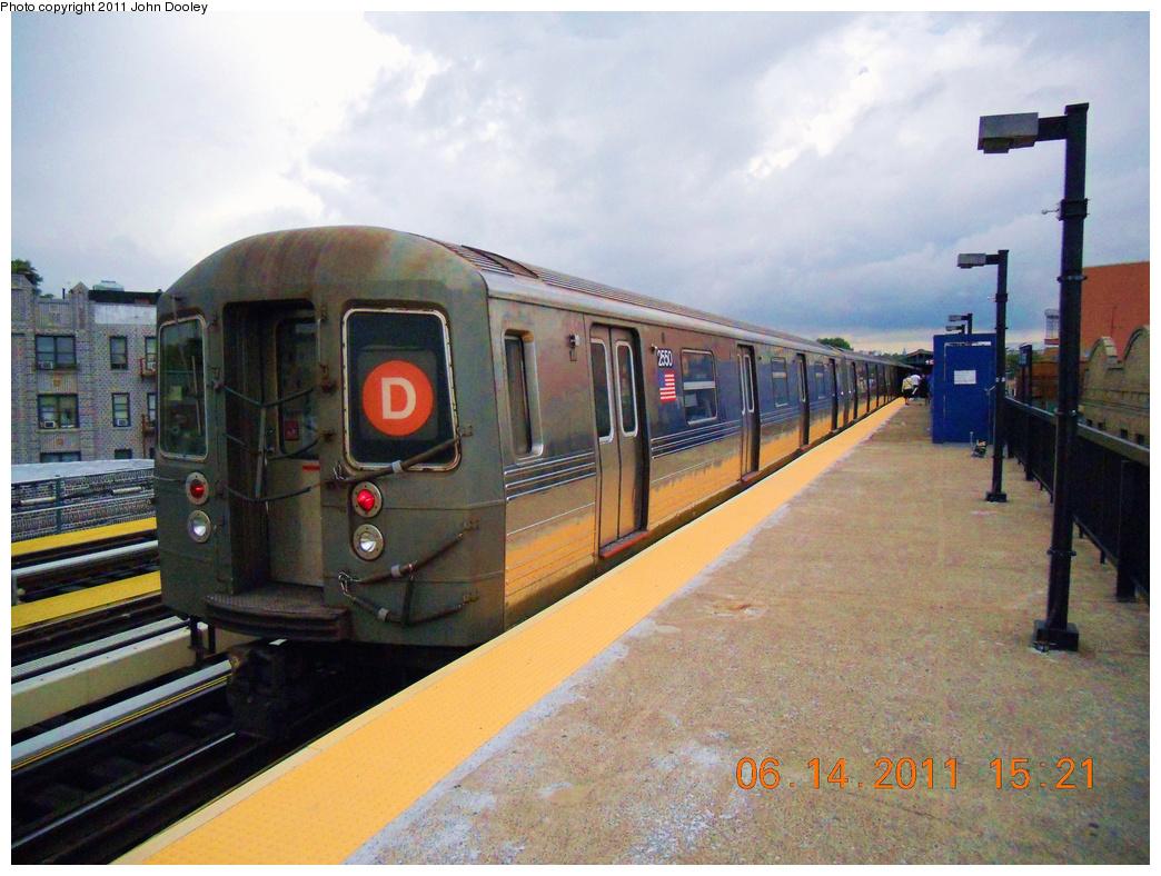 (420k, 1044x788)<br><b>Country:</b> United States<br><b>City:</b> New York<br><b>System:</b> New York City Transit<br><b>Line:</b> BMT West End Line<br><b>Location:</b> 50th Street <br><b>Route:</b> D<br><b>Car:</b> R-68 (Westinghouse-Amrail, 1986-1988)  2550 <br><b>Photo by:</b> John Dooley<br><b>Date:</b> 6/14/2011<br><b>Viewed (this week/total):</b> 0 / 926