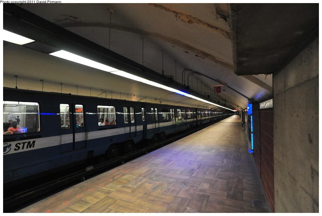(277k, 1044x701)<br><b>Country:</b> Canada<br><b>City:</b> Montréal, Québec<br><b>System:</b> STM-Metro<br><b>Line:</b> STM Orange Line <br><b>Location:</b> Henri-Bourassa <br><b>Photo by:</b> David Pirmann<br><b>Date:</b> 7/2/2011<br><b>Viewed (this week/total):</b> 1 / 340