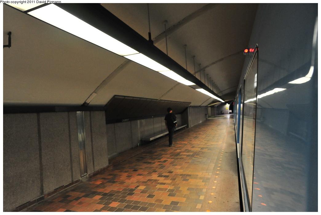 (282k, 1044x701)<br><b>Country:</b> Canada<br><b>City:</b> Montréal, Québec<br><b>System:</b> STM-Metro<br><b>Line:</b> STM Orange Line <br><b>Location:</b> Jarry <br><b>Photo by:</b> David Pirmann<br><b>Date:</b> 7/2/2011<br><b>Viewed (this week/total):</b> 2 / 217