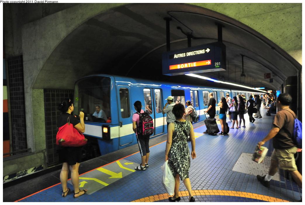 (351k, 1044x701)<br><b>Country:</b> Canada<br><b>City:</b> Montréal, Québec<br><b>System:</b> STM-Metro<br><b>Line:</b> STM Blue Line <br><b>Location:</b> Jean-Talon <br><b>Photo by:</b> David Pirmann<br><b>Date:</b> 7/2/2011<br><b>Viewed (this week/total):</b> 0 / 378