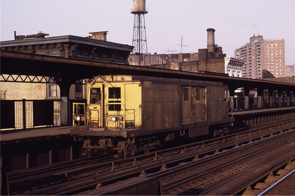 (193k, 1024x681)<br><b>Country:</b> United States<br><b>City:</b> New York<br><b>System:</b> New York City Transit<br><b>Line:</b> BMT Nassau Street/Jamaica Line<br><b>Location:</b> Hewes Street <br><b>Car:</b> BMT Signal Supply Car (Diff. Car Co., 1927)  44 <br><b>Photo by:</b> Joe Testagrose<br><b>Date:</b> 5/18/1971<br><b>Viewed (this week/total):</b> 2 / 973