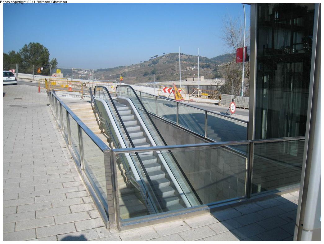 (308k, 1044x788)<br><b>Country:</b> Spain<br><b>City:</b> Barcelona<br><b>System:</b> Ferrocarril Metropolita de Barcelona (FMB)<br><b>Line:</b> FMB L11 (Trinitat Nova - Can Cuiàs)<br><b>Location:</b> Can Cuiàs (L11)<br><b>Photo by:</b> Bernard Chatreau<br><b>Date:</b> 2/23/2008<br><b>Viewed (this week/total):</b> 1 / 374
