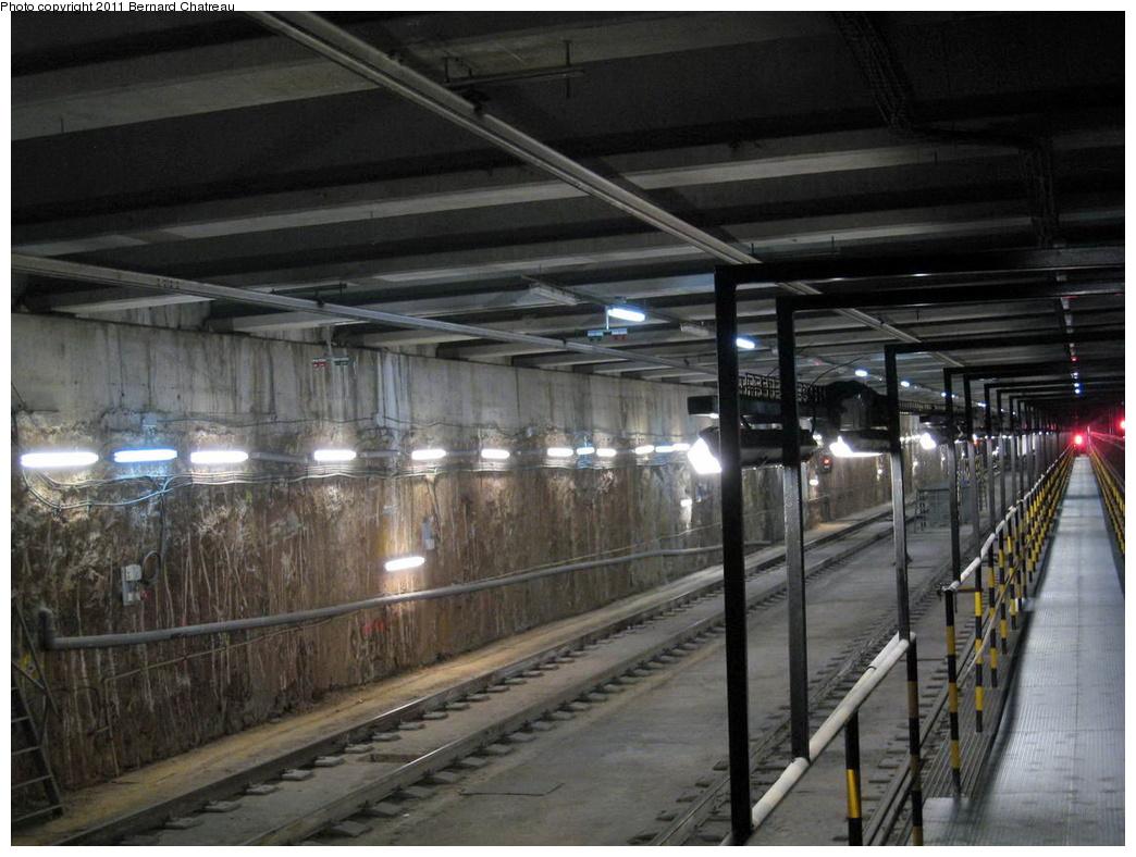 (298k, 1044x788)<br><b>Country:</b> Spain<br><b>City:</b> Barcelona<br><b>System:</b> Ferrocarril Metropolita de Barcelona (FMB)<br><b>Line:</b> FMB L11 (Trinitat Nova - Can Cuiàs)<br><b>Location:</b> Casa de l'Aigua (L11)<br><b>Photo by:</b> Bernard Chatreau<br><b>Date:</b> 2/23/2008<br><b>Viewed (this week/total):</b> 0 / 419