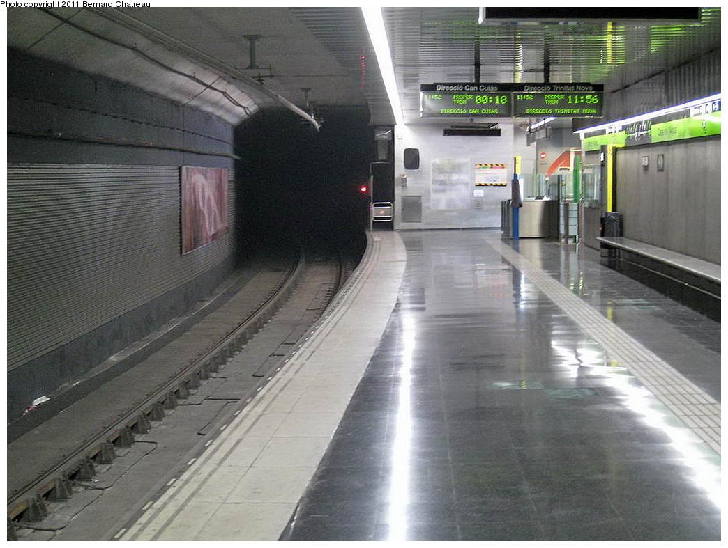 (310k, 1044x787)<br><b>Country:</b> Spain<br><b>City:</b> Barcelona<br><b>System:</b> Ferrocarril Metropolita de Barcelona (FMB)<br><b>Line:</b> FMB L11 (Trinitat Nova - Can Cuiàs)<br><b>Location:</b> Casa de l'Aigua (L11)<br><b>Photo by:</b> Bernard Chatreau<br><b>Date:</b> 2/23/2008<br><b>Viewed (this week/total):</b> 1 / 502