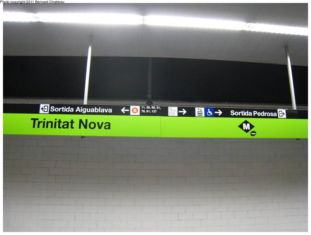 (194k, 1044x788)<br><b>Country:</b> Spain<br><b>City:</b> Barcelona<br><b>System:</b> Ferrocarril Metropolita de Barcelona (FMB)<br><b>Line:</b> FMB L11 (Trinitat Nova - Can Cuiàs)<br><b>Location:</b> Trinitat Nova (L11)<br><b>Photo by:</b> Bernard Chatreau<br><b>Date:</b> 2/23/2008<br><b>Viewed (this week/total):</b> 0 / 339