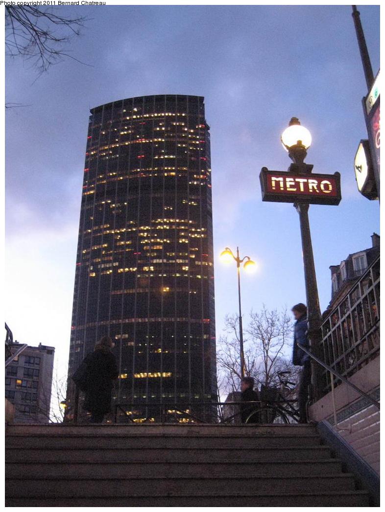 (296k, 786x1044)<br><b>Country:</b> France<br><b>City:</b> Paris<br><b>System:</b> RATP (Régie Autonome des Transports Parisiens)<br><b>Line:</b> Metro Ligne 6<br><b>Location:</b> Edgar Quinet <br><b>Photo by:</b> Bernard Chatreau<br><b>Date:</b> 2/12/2009<br><b>Viewed (this week/total):</b> 1 / 287