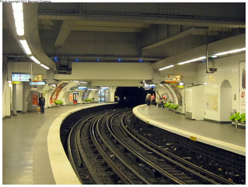 (299k, 1044x788)<br><b>Country:</b> France<br><b>City:</b> Paris<br><b>System:</b> RATP (Régie Autonome des Transports Parisiens)<br><b>Line:</b> Metro Ligne 5<br><b>Location:</b> Gare de l'Est <br><b>Photo by:</b> Bernard Chatreau<br><b>Date:</b> 6/30/2010<br><b>Viewed (this week/total):</b> 2 / 513