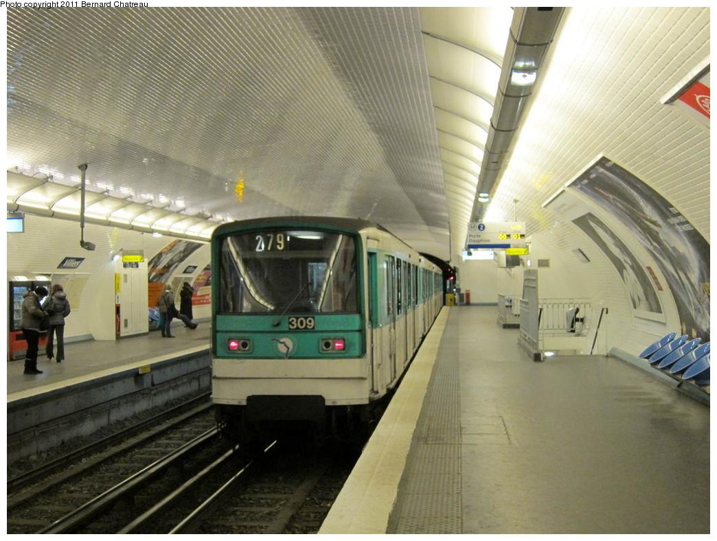 (303k, 1044x788)<br><b>Country:</b> France<br><b>City:</b> Paris<br><b>System:</b> RATP (Régie Autonome des Transports Parisiens)<br><b>Line:</b> Metro Ligne 2<br><b>Location:</b> Villiers<br><b>Car:</b> MF67 10317 <br><b>Photo by:</b> Bernard Chatreau<br><b>Date:</b> 1/28/2010<br><b>Viewed (this week/total):</b> 0 / 483