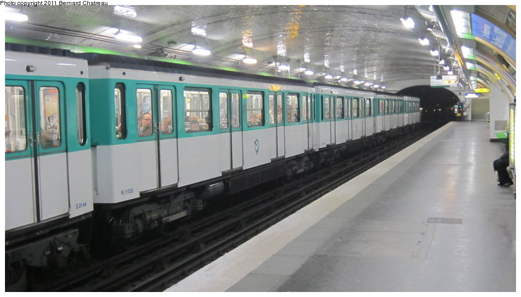 (210k, 1044x595)<br><b>Country:</b> France<br><b>City:</b> Paris<br><b>System:</b> RATP (Régie Autonome des Transports Parisiens)<br><b>Line:</b> Metro Ligne 12<br><b>Location:</b> Trinité-d'Estienne d'Orves <br><b>Car:</b> MF67 11033 <br><b>Photo by:</b> Bernard Chatreau<br><b>Date:</b> 2/28/2011<br><b>Viewed (this week/total):</b> 0 / 364