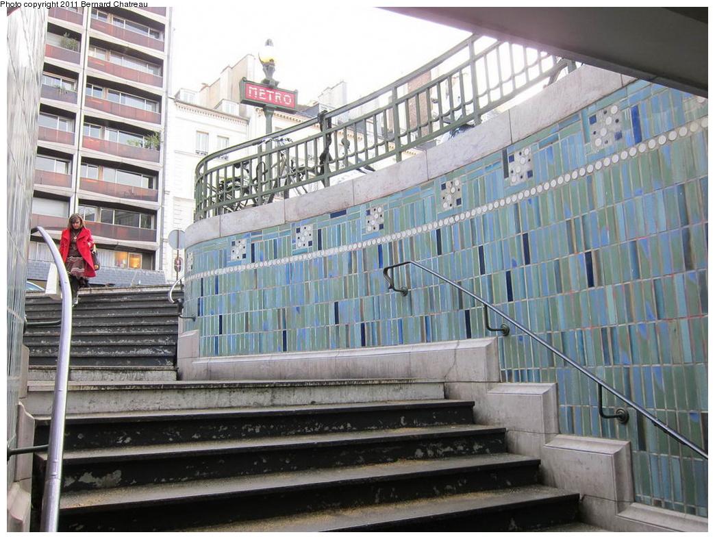 (350k, 1044x787)<br><b>Country:</b> France<br><b>City:</b> Paris<br><b>System:</b> RATP (Régie Autonome des Transports Parisiens)<br><b>Line:</b> Metro Ligne 10<br><b>Location:</b> Sèvres-Babylone <br><b>Photo by:</b> Bernard Chatreau<br><b>Date:</b> 1/14/2010<br><b>Viewed (this week/total):</b> 0 / 391