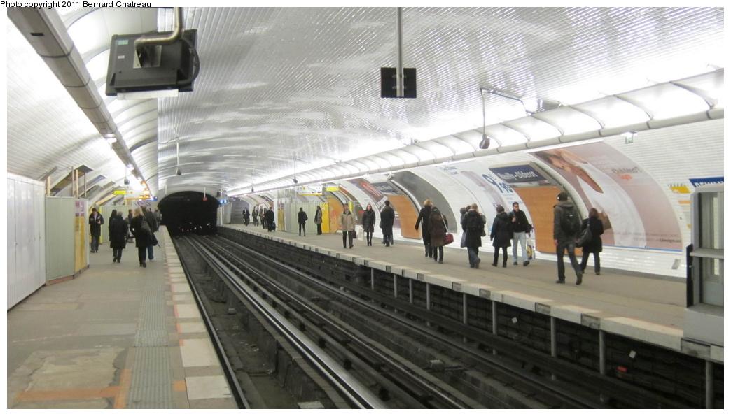 (234k, 1044x595)<br><b>Country:</b> France<br><b>City:</b> Paris<br><b>System:</b> RATP (Régie Autonome des Transports Parisiens)<br><b>Line:</b> Metro Ligne 1<br><b>Location:</b> Reuilly-Diderot <br><b>Photo by:</b> Bernard Chatreau<br><b>Date:</b> 1/11/2011<br><b>Viewed (this week/total):</b> 0 / 364