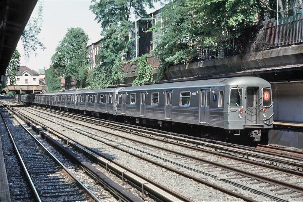 (428k, 1024x682)<br><b>Country:</b> United States<br><b>City:</b> New York<br><b>System:</b> New York City Transit<br><b>Line:</b> BMT Brighton Line<br><b>Location:</b> Cortelyou Road <br><b>Route:</b> D<br><b>Car:</b> R-68A (Kawasaki, 1988-1989)  5009 <br><b>Photo by:</b> Doug Grotjahn<br><b>Collection of:</b> Joe Testagrose<br><b>Date:</b> 9/29/1991<br><b>Viewed (this week/total):</b> 0 / 2541