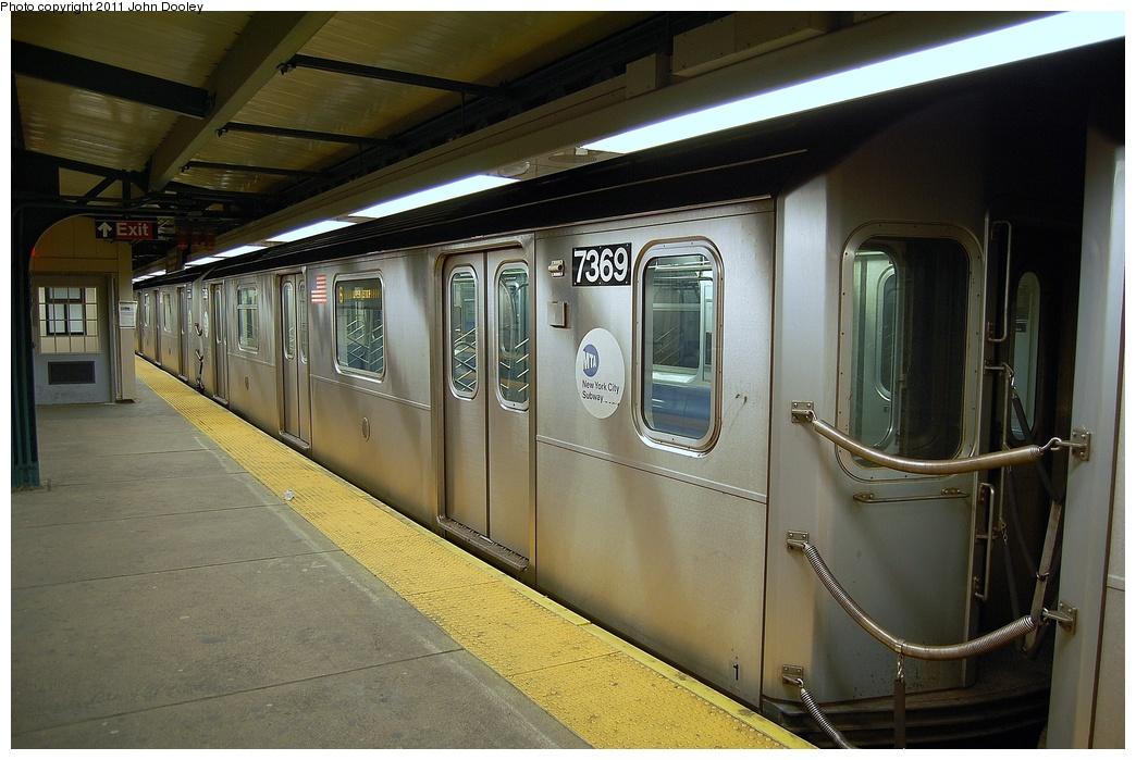 (311k, 1044x699)<br><b>Country:</b> United States<br><b>City:</b> New York<br><b>System:</b> New York City Transit<br><b>Line:</b> IRT Pelham Line<br><b>Location:</b> East 177th Street/Parkchester <br><b>Route:</b> 6<br><b>Car:</b> R-142A (Primary Order, Kawasaki, 1999-2002)  7369 <br><b>Photo by:</b> John Dooley<br><b>Date:</b> 3/2/2011<br><b>Viewed (this week/total):</b> 5 / 1107