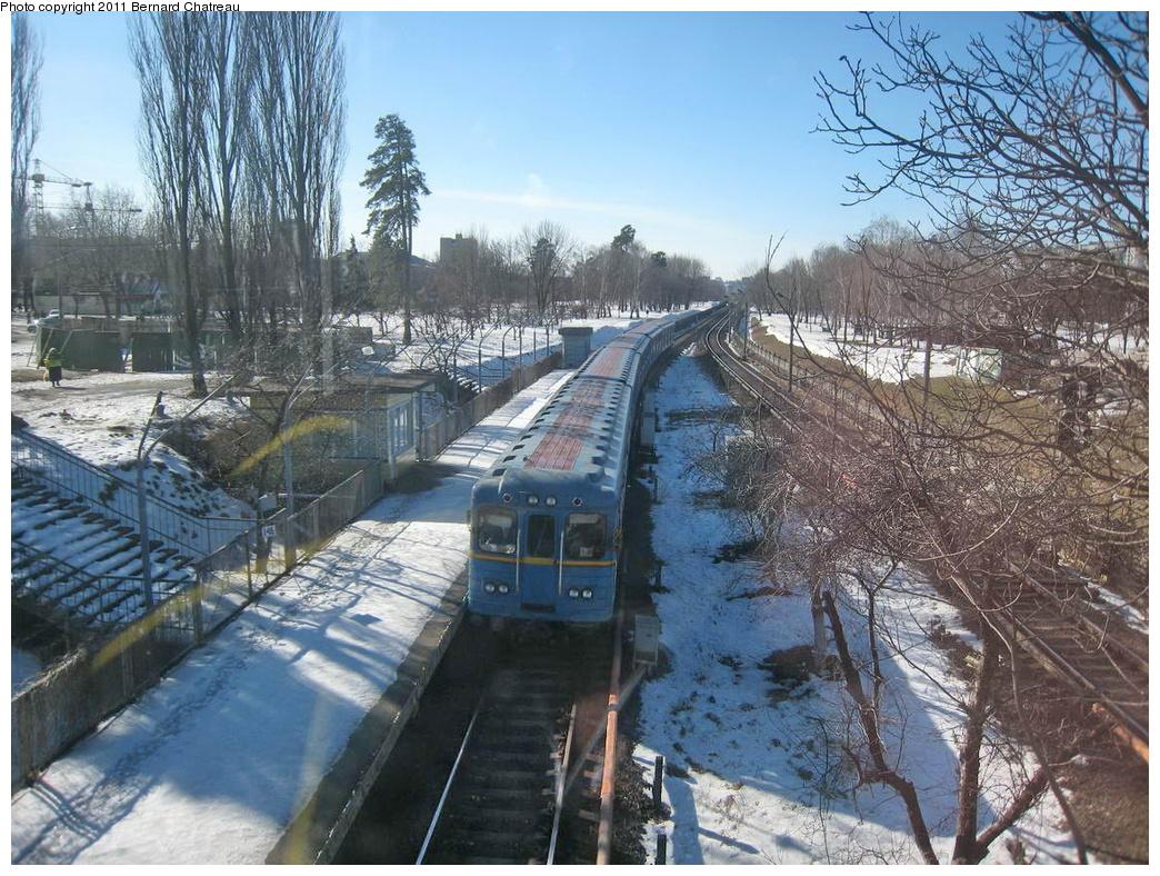 (416k, 1044x788)<br><b>Country:</b> Ukraine<br><b>City:</b> Kiev<br><b>System:</b> Kiev Metro - Київський метрополітен<br><b>Line:</b> Sviatoshynsko-Brovarska (Red/1) - Святошинсько-Броварська <br><b>Location:</b> Chernihivska - Чернігівська <br><b>Photo by:</b> Bernard Chatreau<br><b>Date:</b> 2/21/2007<br><b>Viewed (this week/total):</b> 0 / 255