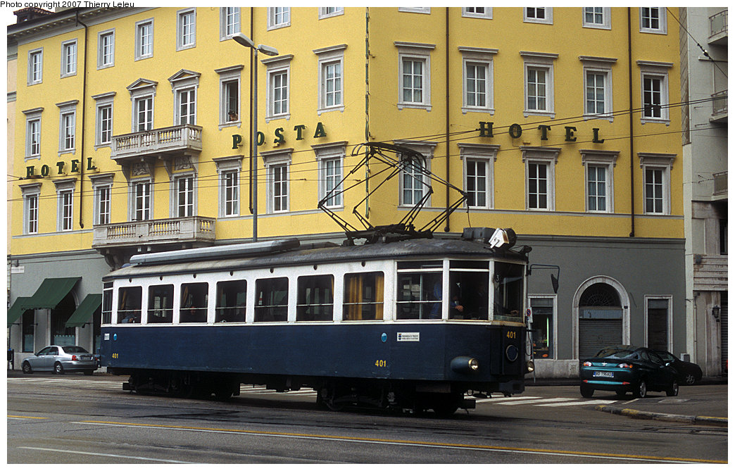 (262k, 1044x669)<br><b>Country:</b> Italy<br><b>City:</b> Trieste<br><b>System:</b> Opicina Tramway<br><b>Car:</b>  401 <br><b>Photo by:</b> Thierry Leleu<br><b>Date:</b> 3/8/2007<br><b>Notes:</b> Trieste Opicina - lower terminal<br><b>Viewed (this week/total):</b> 1 / 706