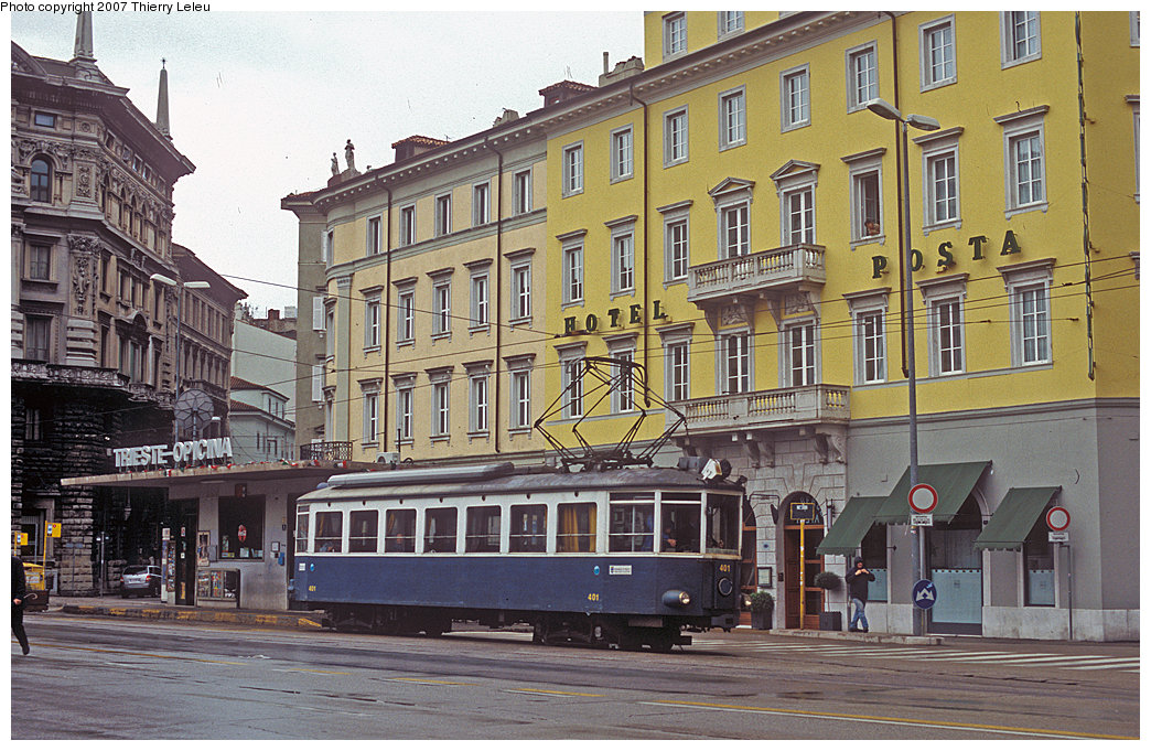 (272k, 1044x681)<br><b>Country:</b> Italy<br><b>City:</b> Trieste<br><b>System:</b> Opicina Tramway<br><b>Car:</b>  401 <br><b>Photo by:</b> Thierry Leleu<br><b>Date:</b> 3/8/2007<br><b>Notes:</b> Trieste Opicina - lower terminal<br><b>Viewed (this week/total):</b> 0 / 657