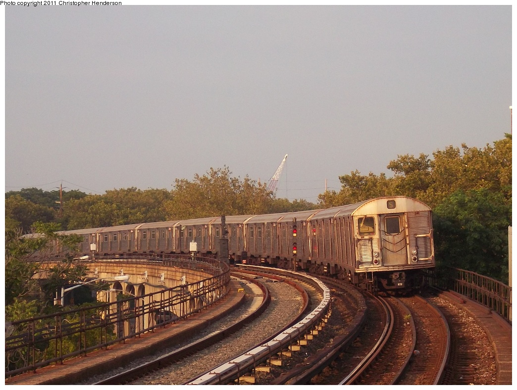 (343k, 1044x788)<br><b>Country:</b> United States<br><b>City:</b> New York<br><b>System:</b> New York City Transit<br><b>Line:</b> IND Rockaway Line<br><b>Location:</b> Beach 90th Street/Holland<br><b>Route:</b> H<br><b>Car:</b> R-32 (Budd, 1964) 3733 <br><b>Photo by:</b> Christopher Henderson<br><b>Date:</b> 7/23/2011<br><b>Viewed (this week/total):</b> 1 / 1549