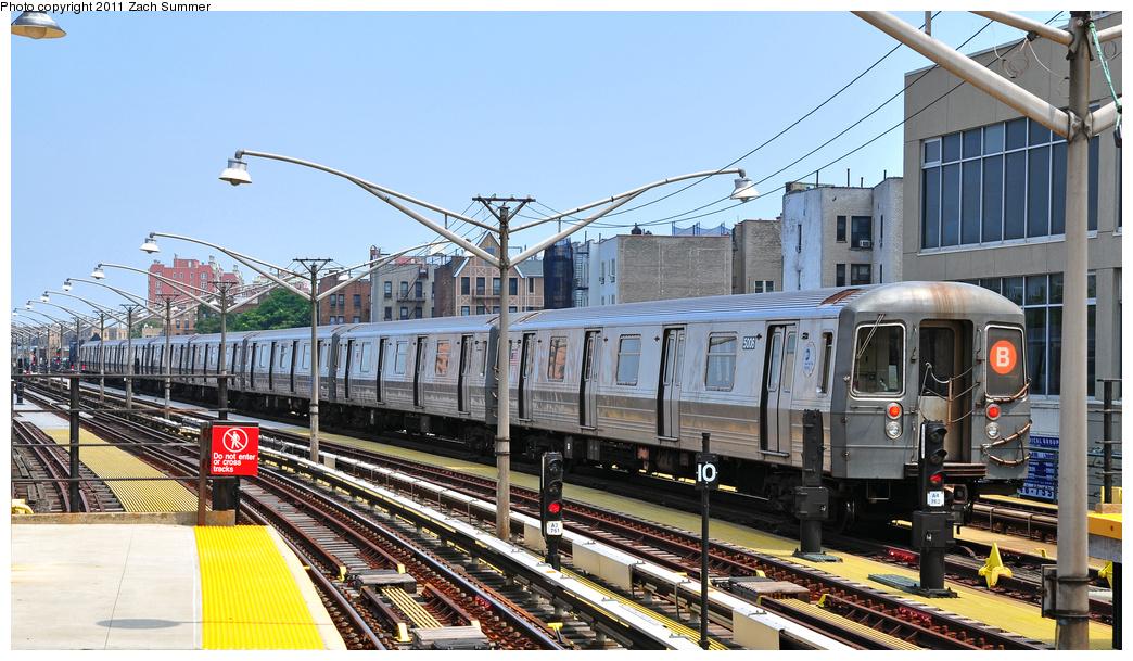 (386k, 1044x609)<br><b>Country:</b> United States<br><b>City:</b> New York<br><b>System:</b> New York City Transit<br><b>Line:</b> BMT Brighton Line<br><b>Location:</b> Ocean Parkway <br><b>Route:</b> B Layup<br><b>Car:</b> R-68A (Kawasaki, 1988-1989)  5006 <br><b>Photo by:</b> Zach Summer<br><b>Date:</b> 7/22/2011<br><b>Viewed (this week/total):</b> 0 / 829
