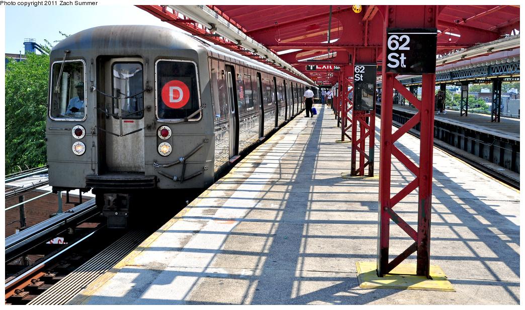 (459k, 1044x616)<br><b>Country:</b> United States<br><b>City:</b> New York<br><b>System:</b> New York City Transit<br><b>Line:</b> BMT West End Line<br><b>Location:</b> 62nd Street <br><b>Route:</b> D<br><b>Car:</b> R-68 (Westinghouse-Amrail, 1986-1988)  2734 <br><b>Photo by:</b> Zach Summer<br><b>Date:</b> 7/22/2011<br><b>Viewed (this week/total):</b> 0 / 1177