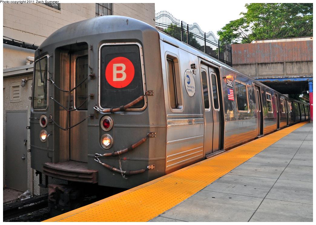 (422k, 1044x745)<br><b>Country:</b> United States<br><b>City:</b> New York<br><b>System:</b> New York City Transit<br><b>Line:</b> BMT Brighton Line<br><b>Location:</b> Newkirk Plaza (fmrly Newkirk Ave.) <br><b>Route:</b> B<br><b>Car:</b> R-68A (Kawasaki, 1988-1989)  5082 <br><b>Photo by:</b> Zach Summer<br><b>Date:</b> 7/22/2011<br><b>Viewed (this week/total):</b> 2 / 1105