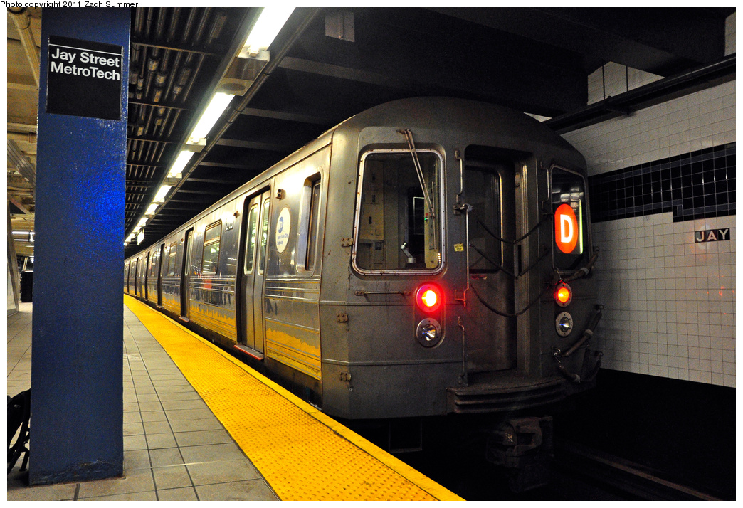 (430k, 1044x714)<br><b>Country:</b> United States<br><b>City:</b> New York<br><b>System:</b> New York City Transit<br><b>Line:</b> IND 8th Avenue Line<br><b>Location:</b> Jay St./Metrotech (Borough Hall)<br><b>Route:</b> D Reroute<br><b>Car:</b> R-68 (Westinghouse-Amrail, 1986-1988) 2768 <br><b>Photo by:</b> Zach Summer<br><b>Date:</b> 7/23/2011<br><b>Viewed (this week/total):</b> 0 / 1343