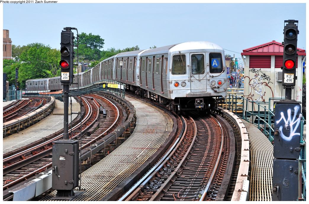 (505k, 1044x690)<br><b>Country:</b> United States<br><b>City:</b> New York<br><b>System:</b> New York City Transit<br><b>Line:</b> IND Fulton Street Line<br><b>Location:</b> 80th Street-Hudson Street<br><b>Route:</b> A<br><b>Car:</b> R-46 (Pullman-Standard, 1974-75)  <br><b>Photo by:</b> Zach Summer<br><b>Date:</b> 7/23/2011<br><b>Viewed (this week/total):</b> 0 / 1117