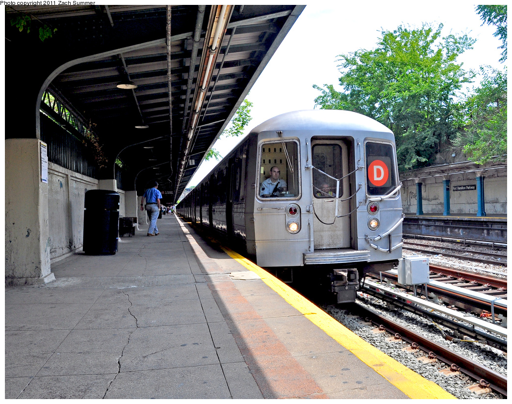 (551k, 1044x825)<br><b>Country:</b> United States<br><b>City:</b> New York<br><b>System:</b> New York City Transit<br><b>Line:</b> BMT Sea Beach Line<br><b>Location:</b> Fort Hamilton Parkway <br><b>Route:</b> D Reroute<br><b>Car:</b> R-68 (Westinghouse-Amrail, 1986-1988)  2626 <br><b>Photo by:</b> Zach Summer<br><b>Date:</b> 7/23/2011<br><b>Viewed (this week/total):</b> 0 / 1219