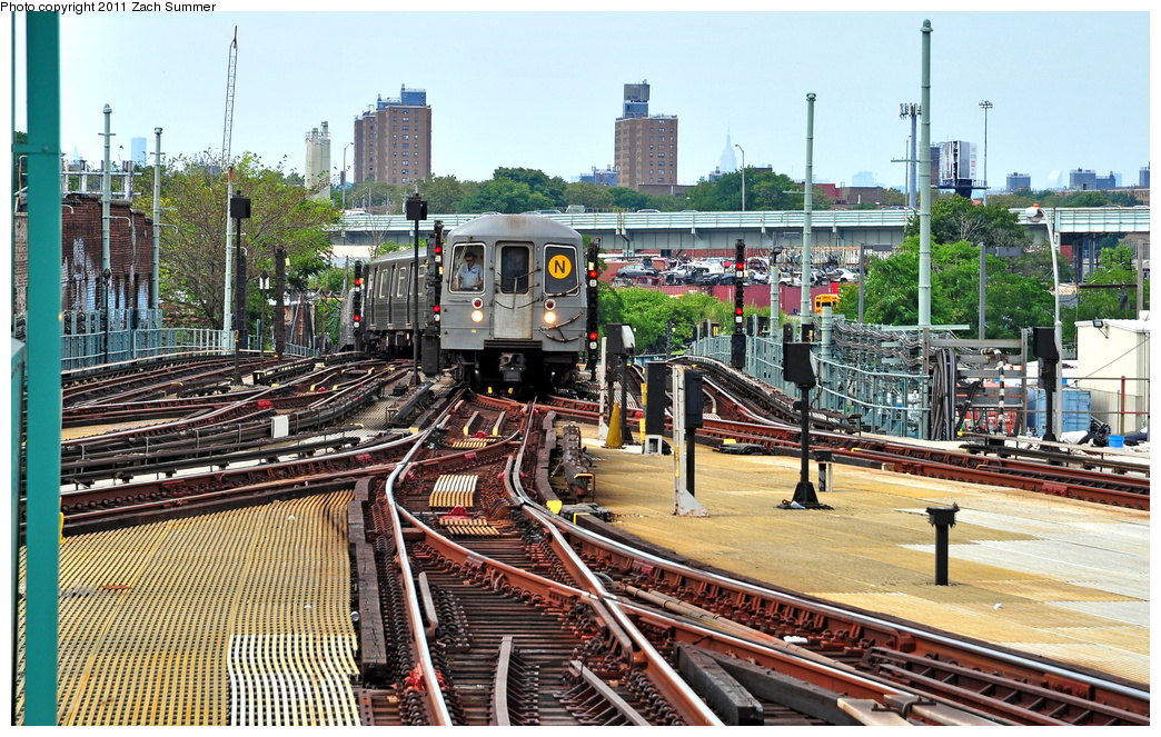 (492k, 1044x663)<br><b>Country:</b> United States<br><b>City:</b> New York<br><b>System:</b> New York City Transit<br><b>Location:</b> Coney Island/Stillwell Avenue<br><b>Route:</b> N<br><b>Car:</b> R-68A (Kawasaki, 1988-1989) 5162 <br><b>Photo by:</b> Zach Summer<br><b>Date:</b> 7/23/2011<br><b>Viewed (this week/total):</b> 0 / 1937