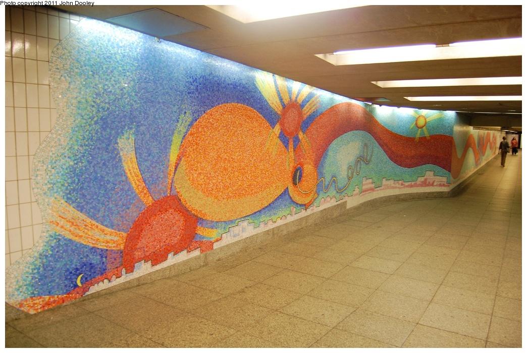 (350k, 1044x701)<br><b>Country:</b> United States<br><b>City:</b> New York<br><b>System:</b> New York City Transit<br><b>Line:</b> IND Queens Boulevard Line<br><b>Location:</b> Court Square/23rd St (Ely Avenue)<br><b>Photo by:</b> John Dooley<br><b>Date:</b> 6/27/2011<br><b>Artwork:</b> <i>Stream</i>, Elizabeth Murray, 2001<br><b>Viewed (this week/total):</b> 0 / 1667