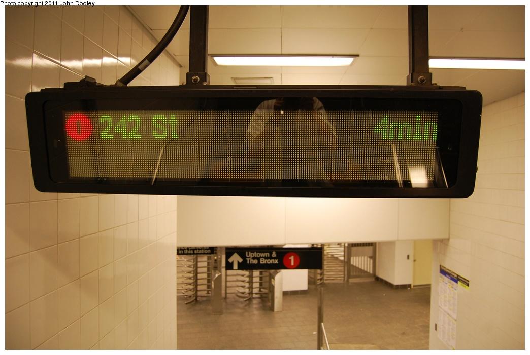 (254k, 1044x701)<br><b>Country:</b> United States<br><b>City:</b> New York<br><b>System:</b> New York City Transit<br><b>Line:</b> IRT West Side Line<br><b>Location:</b> South Ferry (New Station) <br><b>Photo by:</b> John Dooley<br><b>Date:</b> 6/27/2011<br><b>Notes:</b> Station departure sign.<br><b>Viewed (this week/total):</b> 2 / 1180