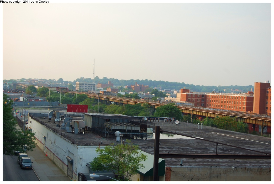 (256k, 1044x701)<br><b>Country:</b> United States<br><b>City:</b> New York<br><b>System:</b> New York City Transit<br><b>Line:</b> IRT Brooklyn Line<br><b>Location:</b> Junius Street <br><b>Photo by:</b> John Dooley<br><b>Date:</b> 6/28/2011<br><b>Notes:</b> View from Junius St IRT looking north at Canarsie line.<br><b>Viewed (this week/total):</b> 1 / 1371