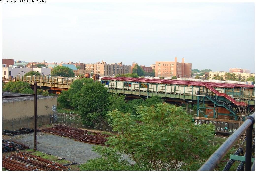(352k, 1044x701)<br><b>Country:</b> United States<br><b>City:</b> New York<br><b>System:</b> New York City Transit<br><b>Line:</b> BMT Canarsie Line<br><b>Location:</b> Livonia Avenue <br><b>Photo by:</b> John Dooley<br><b>Date:</b> 6/28/2011<br><b>Notes:</b> View from Junius St. IRT<br><b>Viewed (this week/total):</b> 1 / 1034