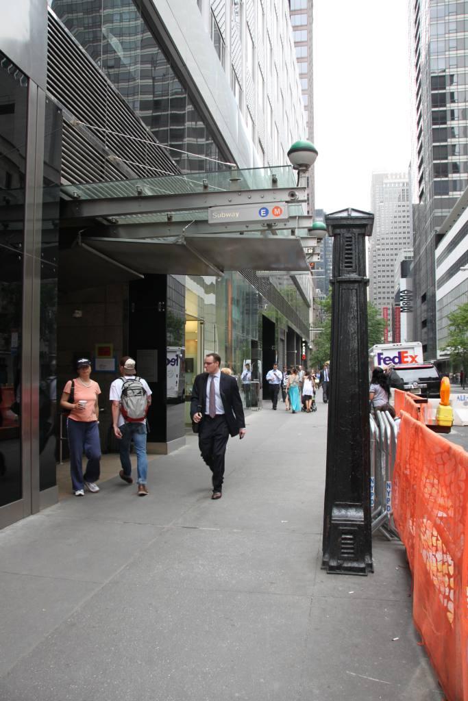 (113k, 683x1024)<br><b>Country:</b> United States<br><b>City:</b> New York<br><b>System:</b> New York City Transit<br><b>Line:</b> IND Queens Boulevard Line<br><b>Location:</b> 5th Avenue/53rd Street <br><b>Photo by:</b> Robbie Rosenfeld<br><b>Date:</b> 6/16/2011<br><b>Notes:</b> Station entrance at 666 5th Avenue.<br><b>Viewed (this week/total):</b> 0 / 1259